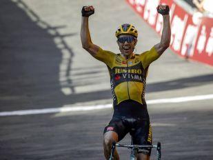 Wout Van Aert solo win in Strade Bianche!