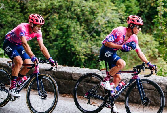 Alberto Bettiol in supporto alla squadra al Tour de France (Ph. Gruber)