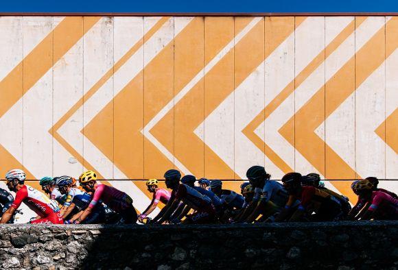 The peloton at Tour de France (Ph. Gruber)