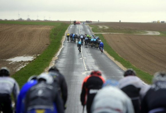 Tough weather can be a feature of Paris Nice 2017 (photo: Nico Vereecken/ PN/BettiniPhoto©2017)